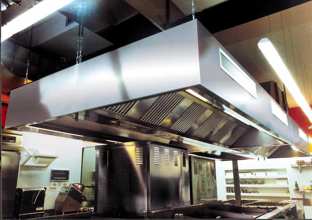 Il soffitto aspirante nelle cucine professionali